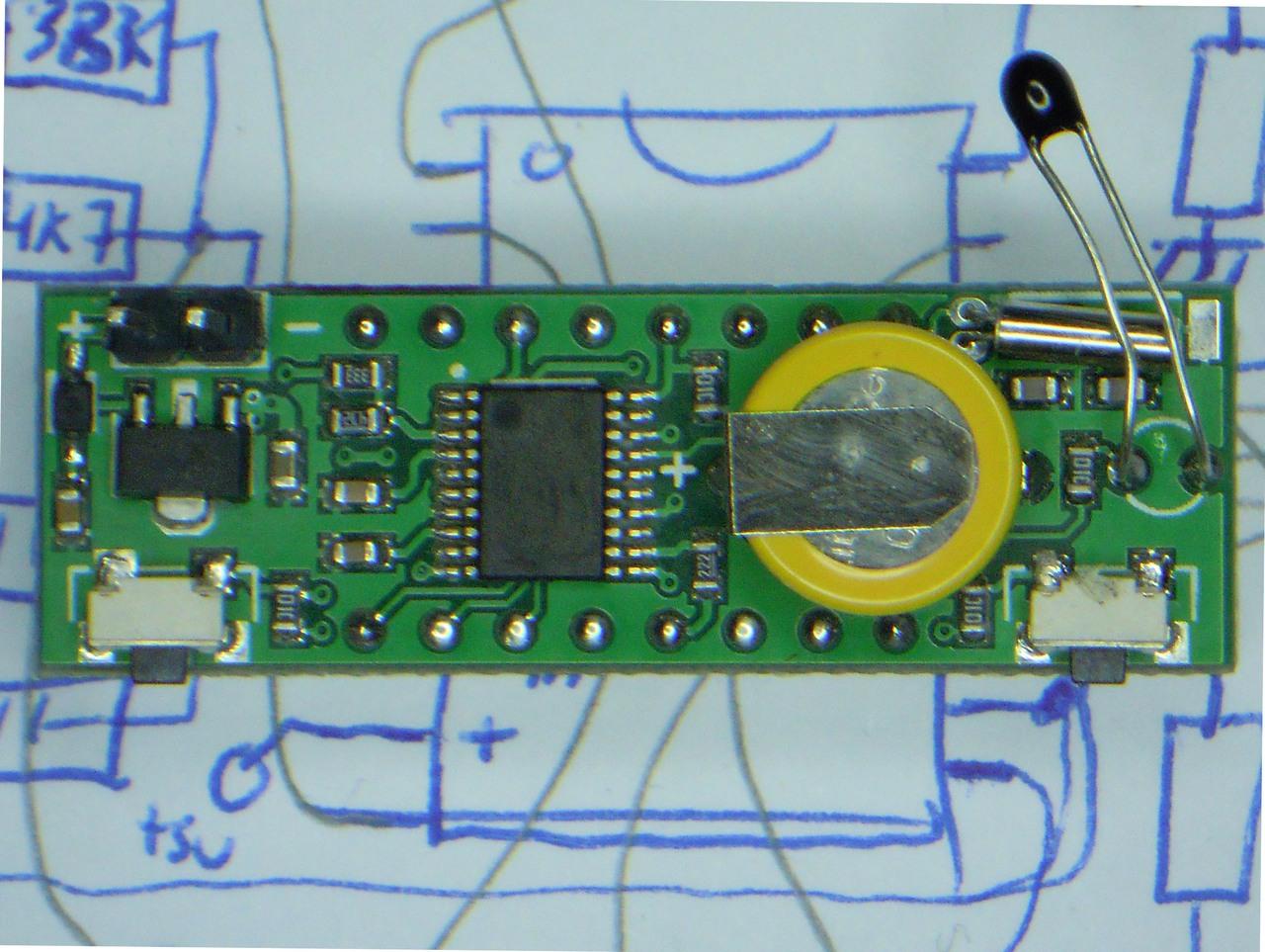 Reloj-voltimetro-termometro C-022